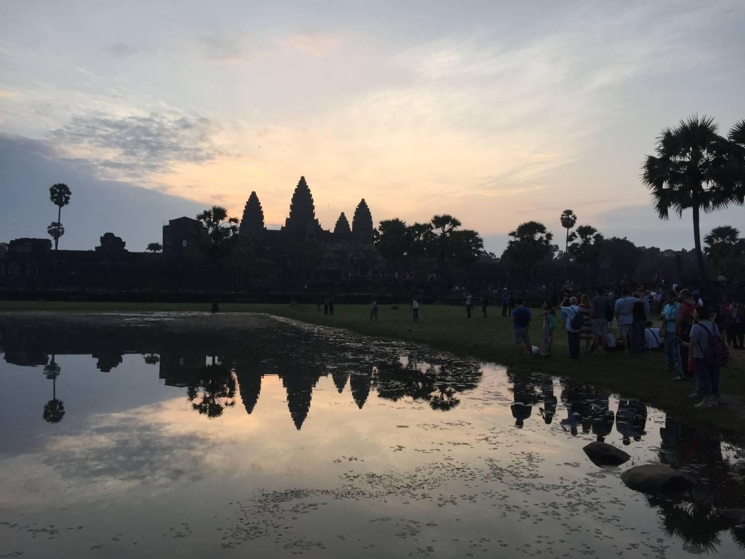 See Angkor Wat and Die( นครวัด นครธม )